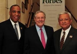 Jose Berrios (right), with Steve Forbes and interim SHRM CEO Hank Jackson at the SHRM annual conference last June in San Diego.